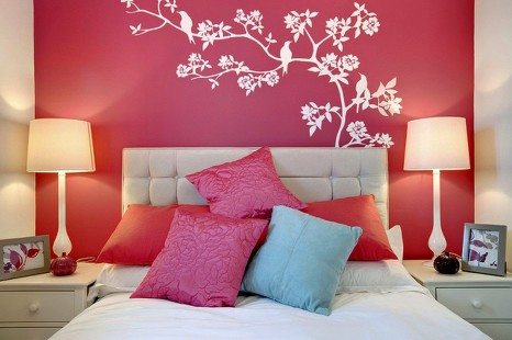 dekorasi kamar tidur sederhana wallsticker pohon burung
