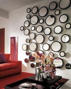Ruang Keluarga Mewah Dengan Sentuhan Dekorasi Cermin